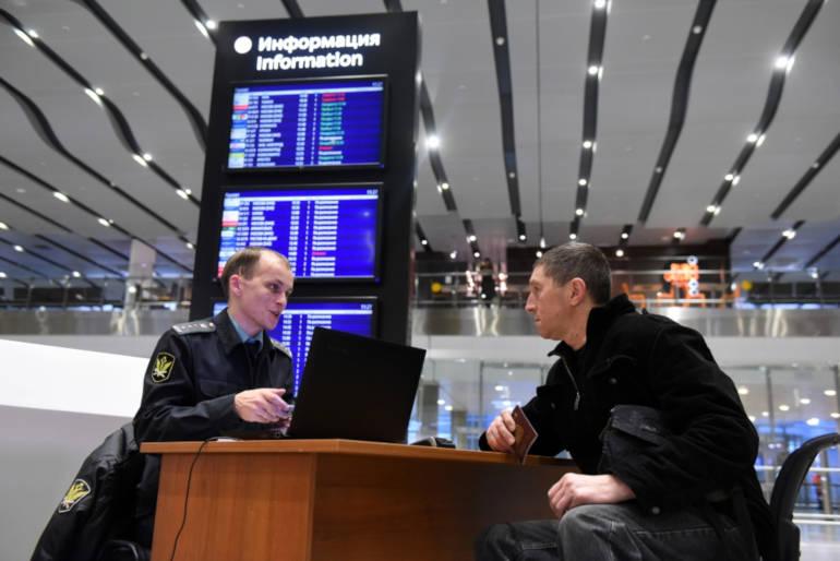 Запрет на выезд за рубеж является непреодолимой границей для неплательщиков