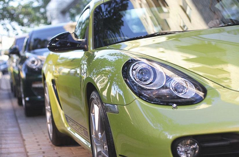 Машина марки Porsche